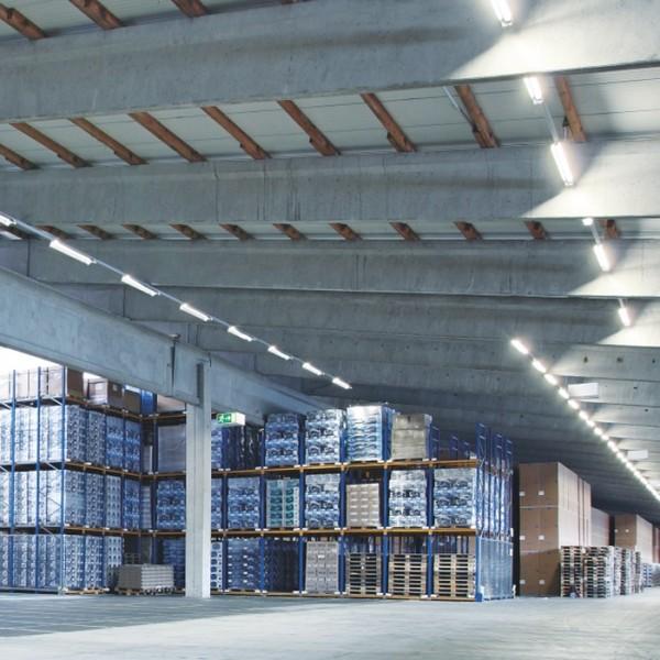 Corp de iluminat etans cu LED 32W LEDVANCE 120cm cu Kit de Emergenta 3h